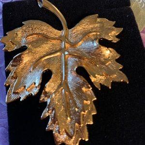 Vintage Avon Solar Magic leaf brooch